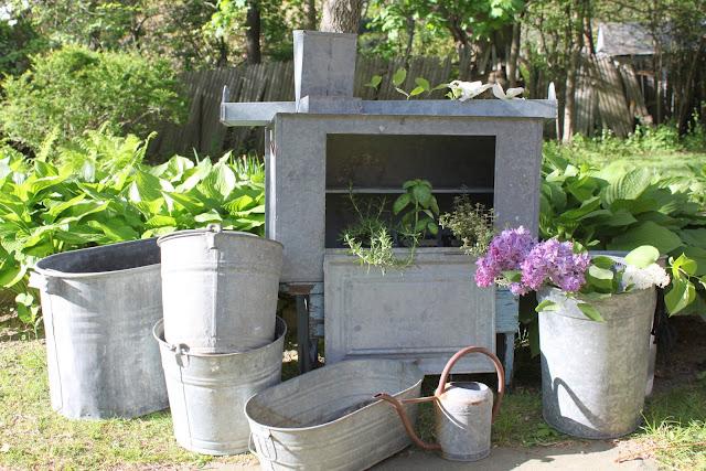 L 39 angolo di francesca contenitori di zinco for Contenitori da giardino
