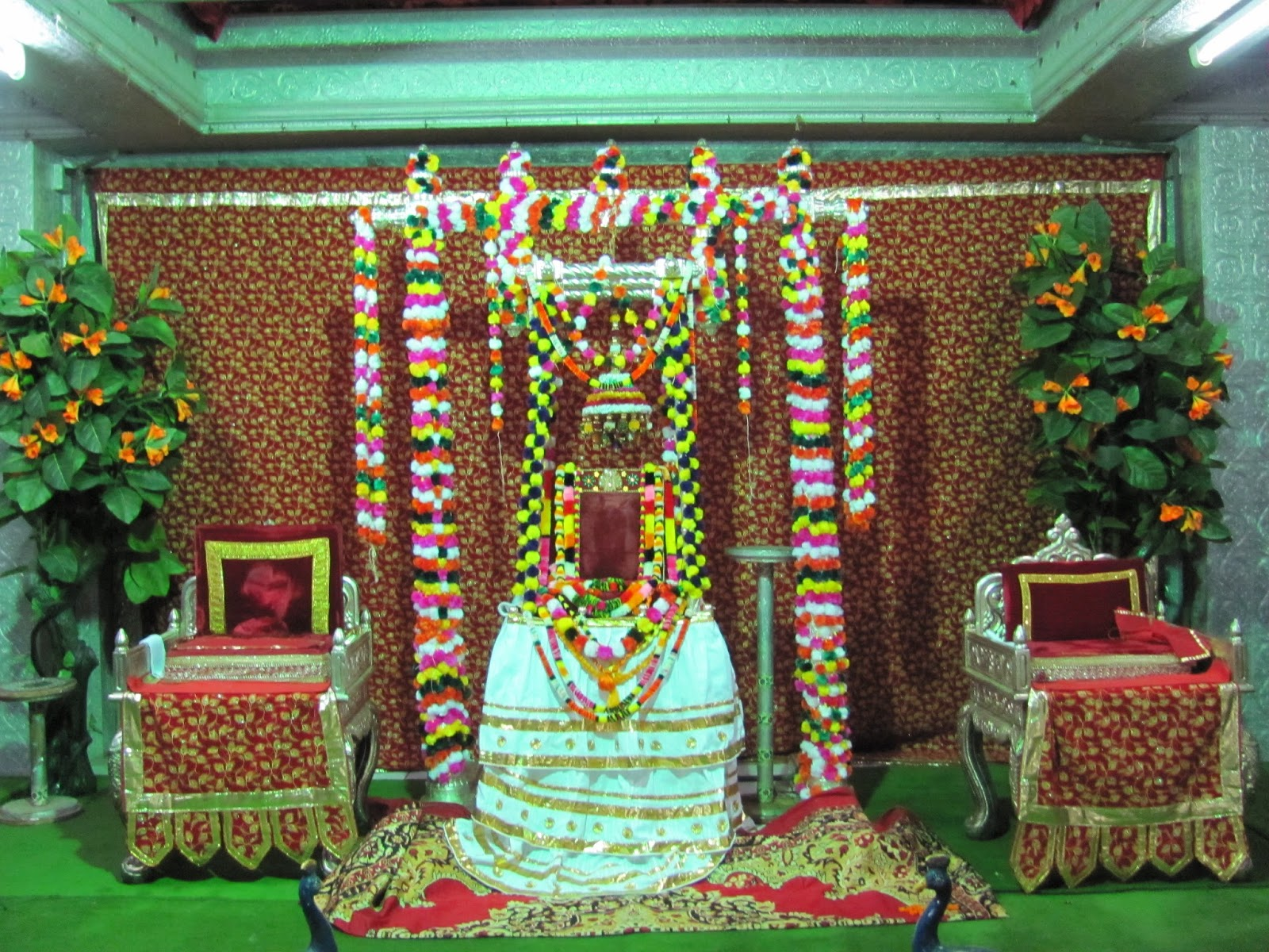 Best Bhagwan Shrinathji Hindola Darshan Images for free download