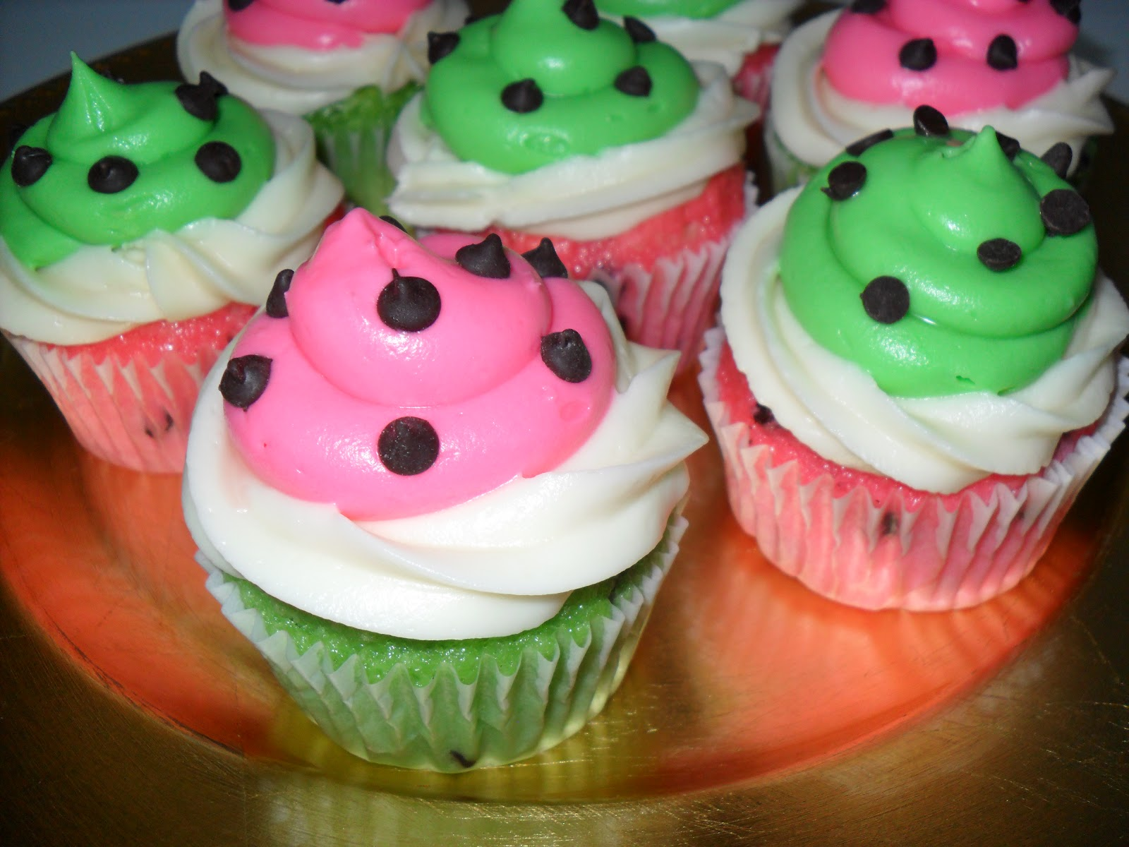 Swirly Sweet Cupcakes: Watermelon Cupcakes for Labor Day