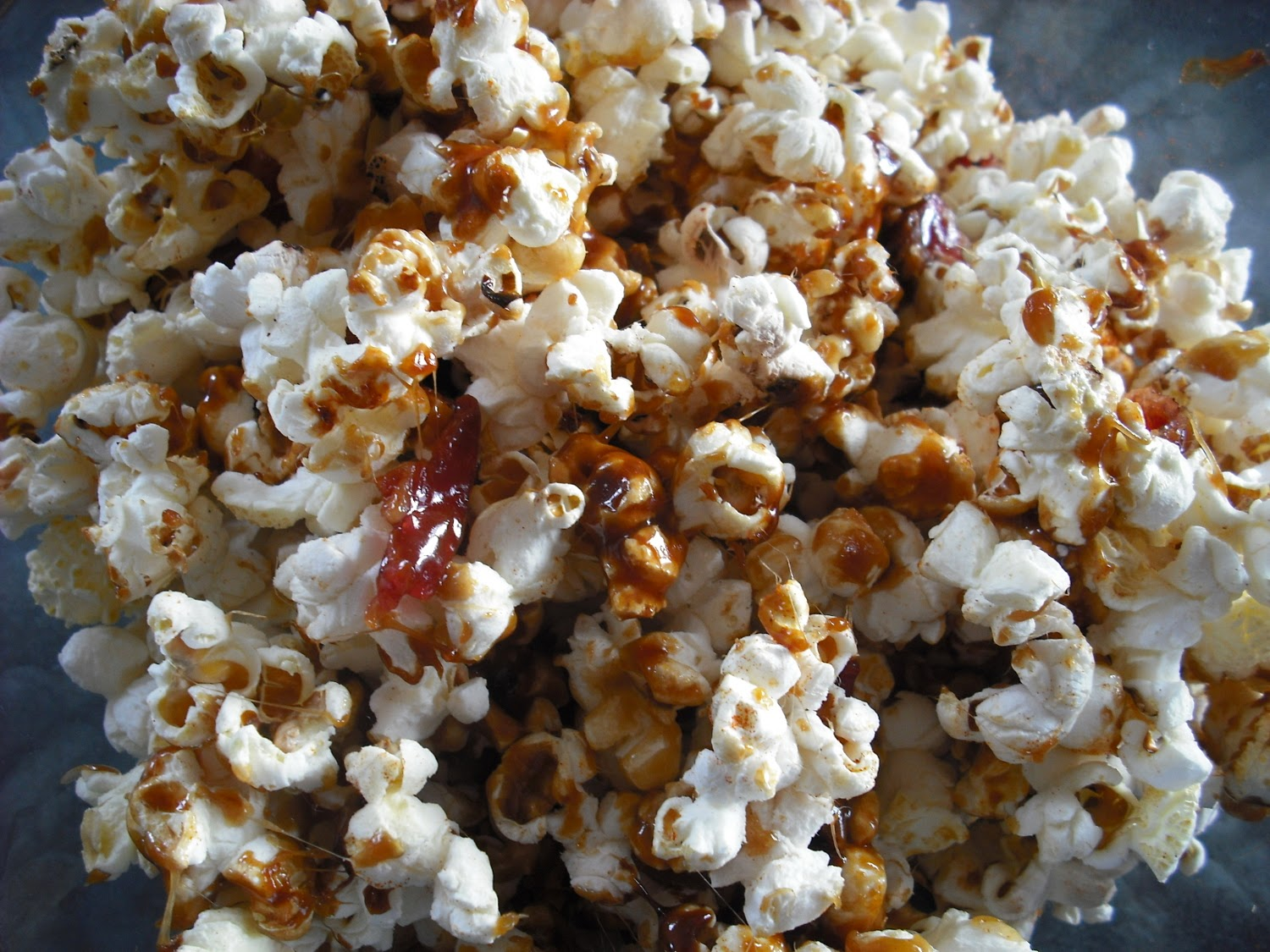 Foodycat: Maple bacon popcorn for Twain's Feast: cook the books