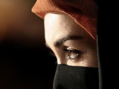 http://1.bp.blogspot.com/-5Bf-rk8YJwg/T13B2hfX2dI/AAAAAAAAAho/PZPr4ir4WOA/s400/wanita-solehah.jpg