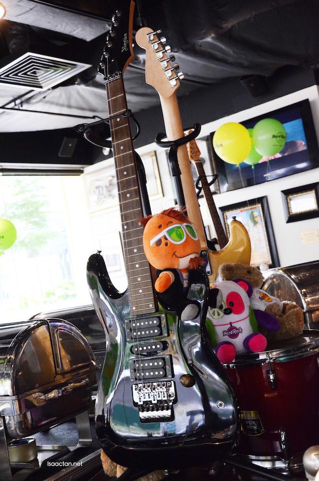 Love the pretty decor of Hard Rock Cafe KL