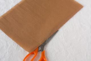 Sječenje papira za oblaganje tepsije