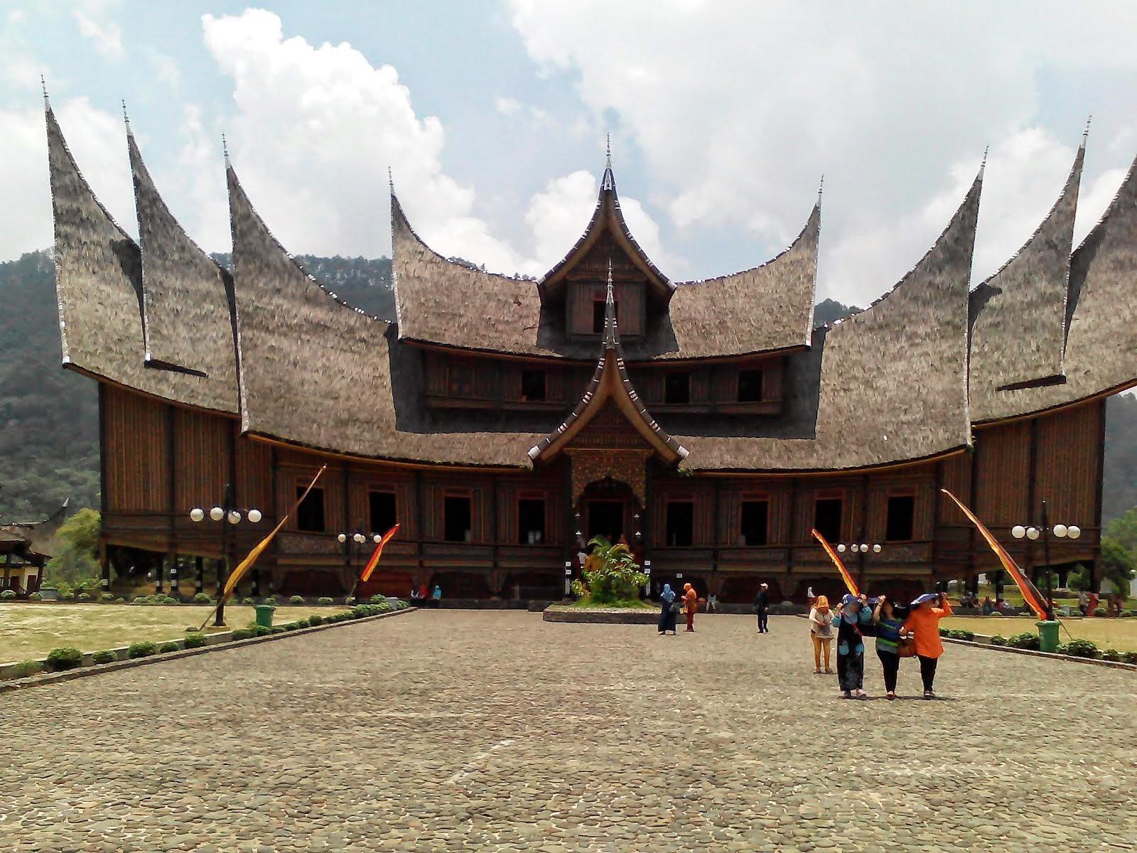 Istana Pagaruyung Batu Sangkar