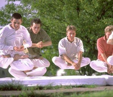 Cara belajar levitasi, misteri yogic flying