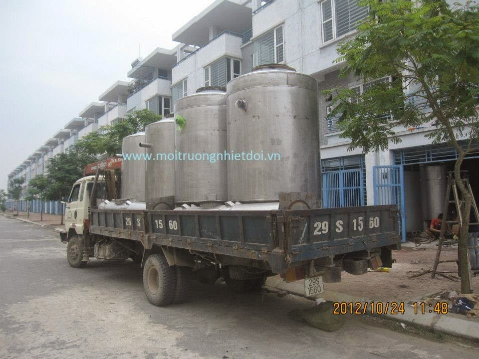 Vận chuyển thiết bị lọc áp lực xử lý nước giếng khoan tới công trình