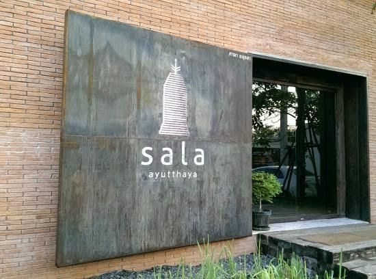 ritme-perpaduan-bata-merah-dinding-fasad-putih-sala-ayutthaya-hotel-sungai-chao-phraya-002