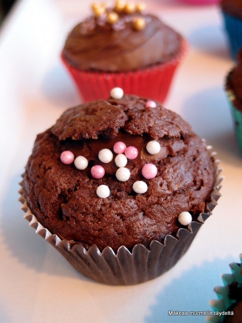 suklaa cup cakes
