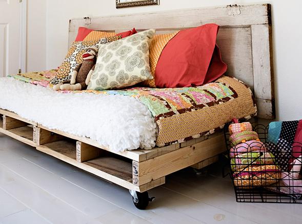 Как с кровати сделать диван