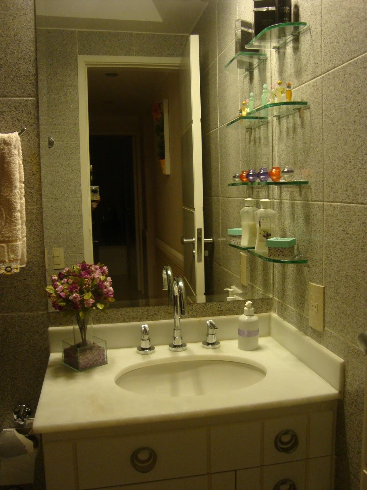 arrumei para um dos banheiros lá de casa eis o banheiro do corredor #AB9020 1200 1600