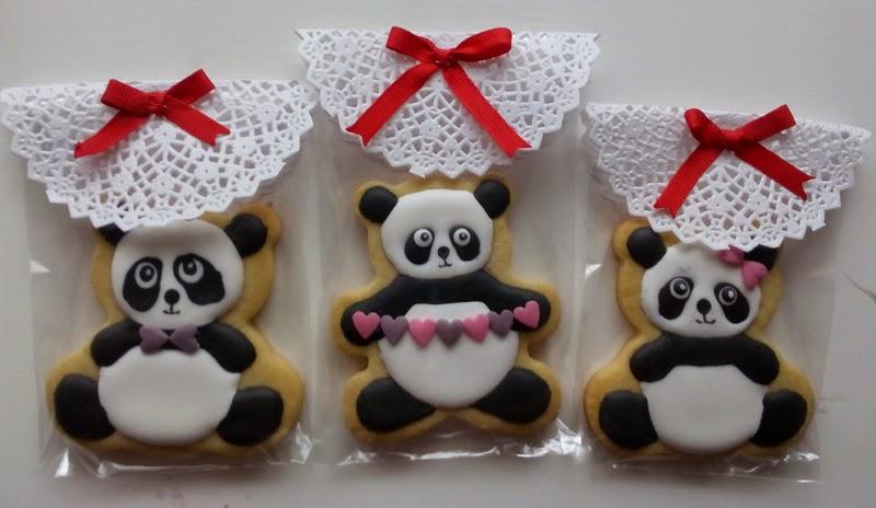 Galletas con glasa San Valentin y adornos azucar
