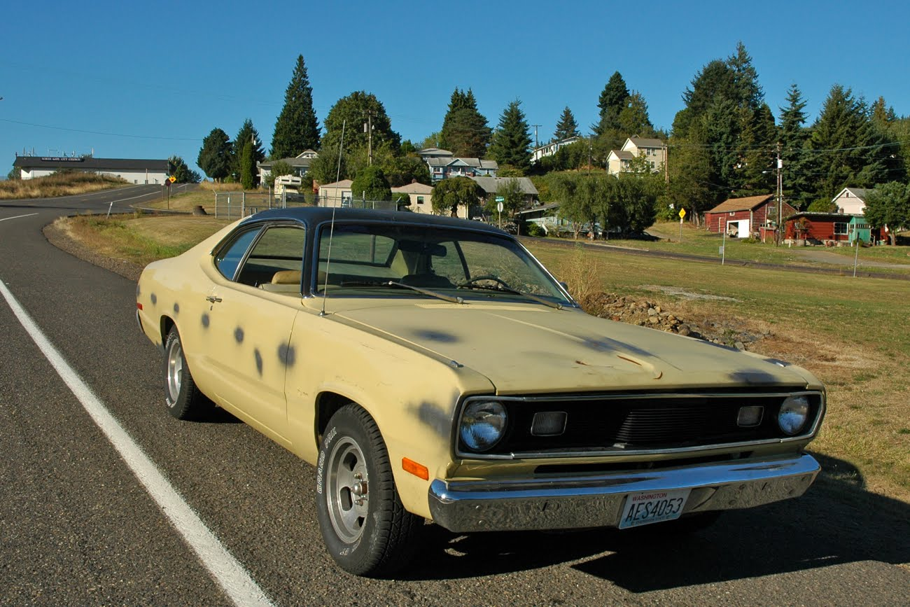 old parked cars 1972 plymouth duster. Black Bedroom Furniture Sets. Home Design Ideas