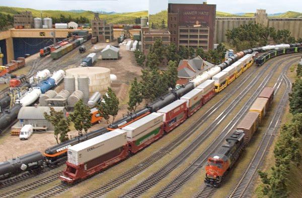 HO Scale Model Train Layouts