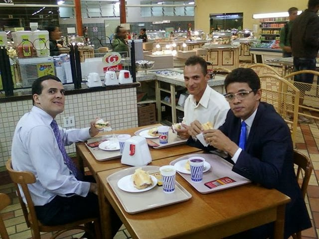 eu e dois grandes amigos, Pr. Sylas Neves e Pr. Walace