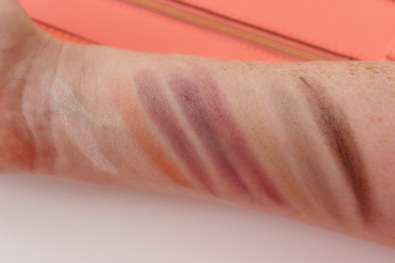 GOSH to enjoy in New York eye shadow palette swatches