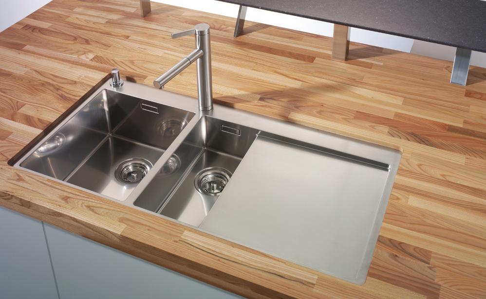 Encimeras de madera apostando por lo natural cocinas for Muebles de cocina para montar
