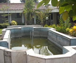 air mancur kolam