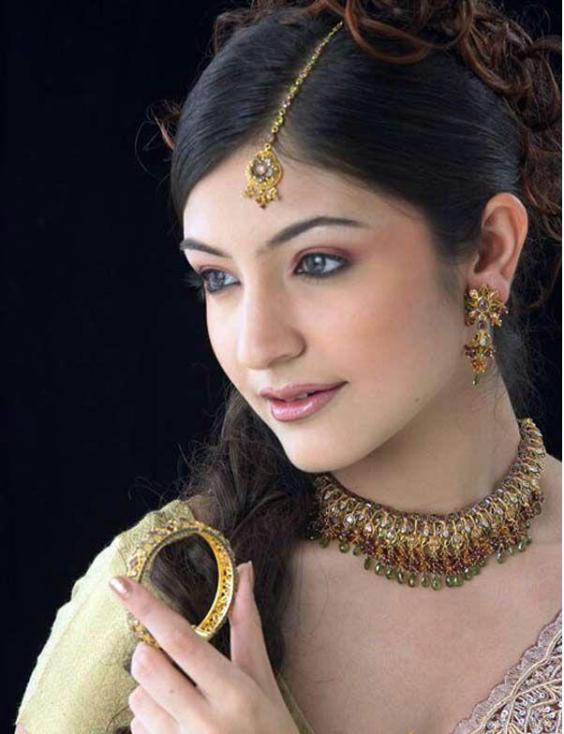 Anushka Sharma Hot pictures and wallpapers
