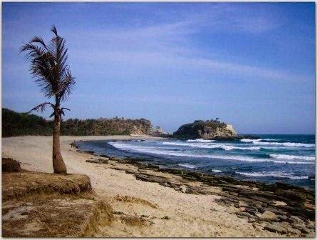 Pantai Klayar Pacitan : objek wisata alam di pacitan