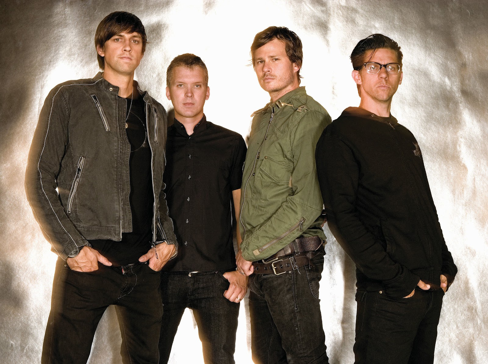 angels and airwaves photo shoot 14 Angels and Airwaves libera audição de novo álbum