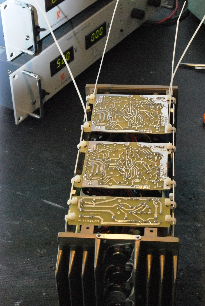 quad spot fixing quad 303 boards in the chassis
