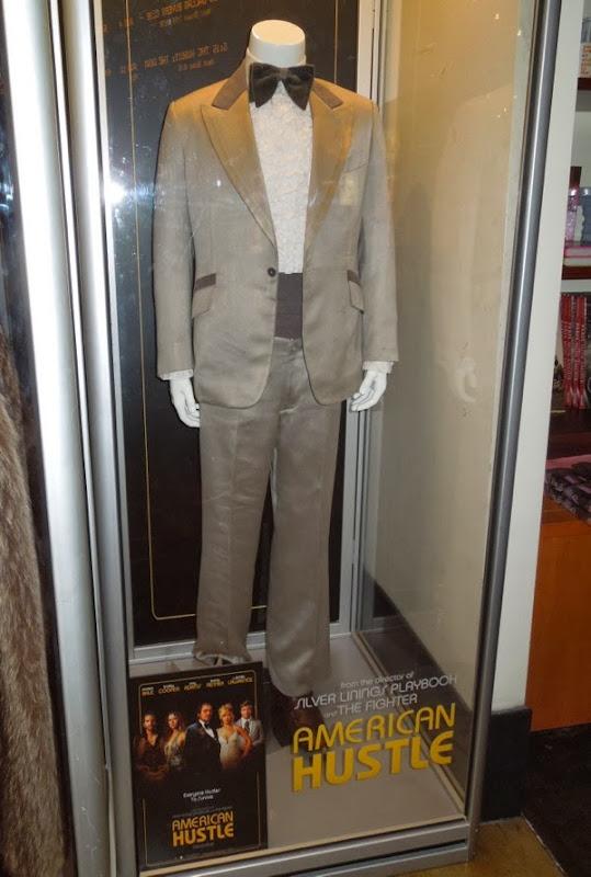 Jeremy Renner Mayor Carmine Polito costume American Hustle