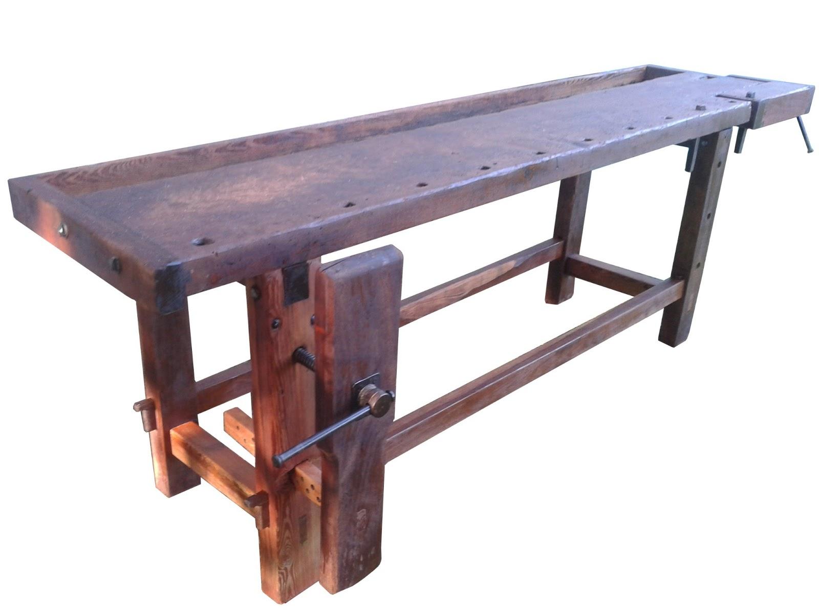 Banco de carpintero antiguo en lapacho y pinotea for Mesa de carpintero