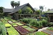 Mimpiku Punya Rumah Luas Lengkap dengan Kebunnya