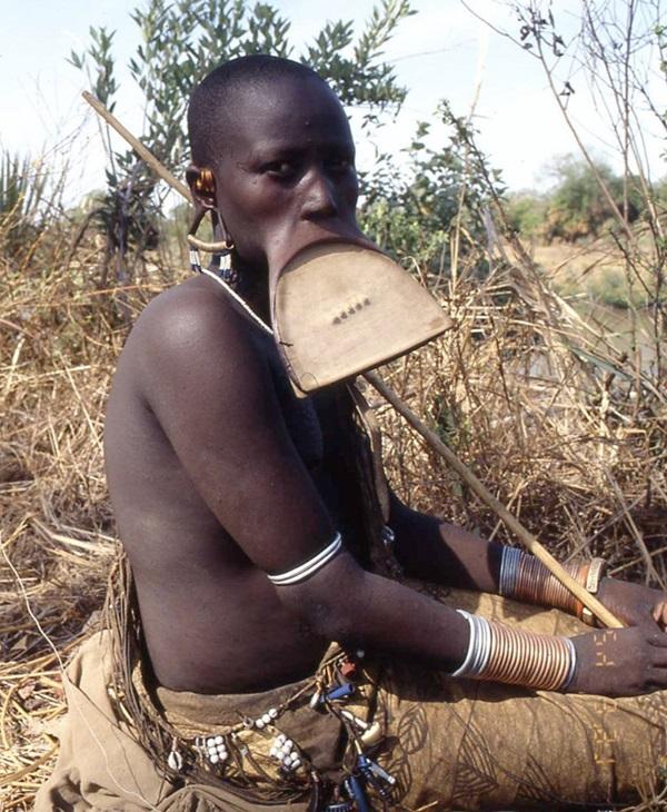 Wowan of Mursi tribe