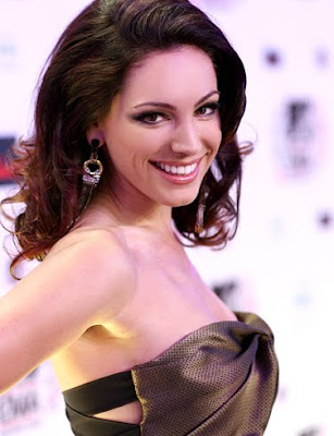 actress_kelly_brook_hot_wallpapers_fun_hungama_forsweetangels.blogspot.com