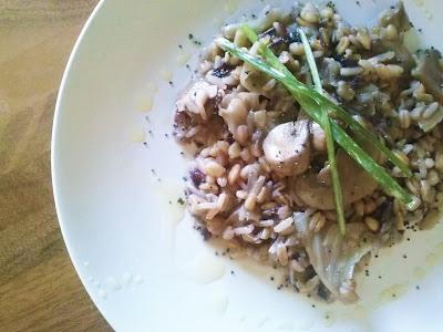 cereali risottati con radicchio rosso e funghi