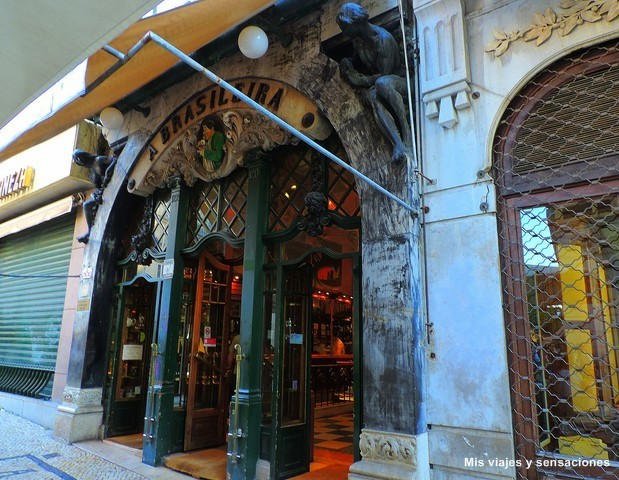Café a Brasileira, Lisboa, Portugal