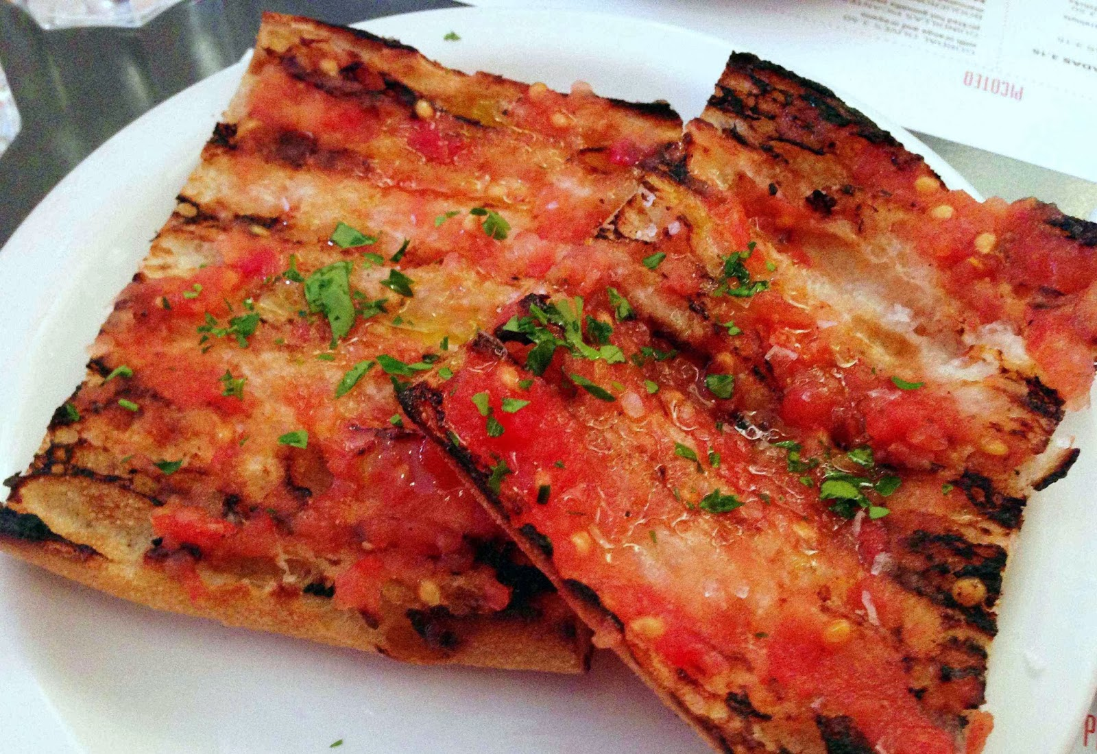 Pan de coca - tomato and garlic bread - Tapas Brindisa Soho