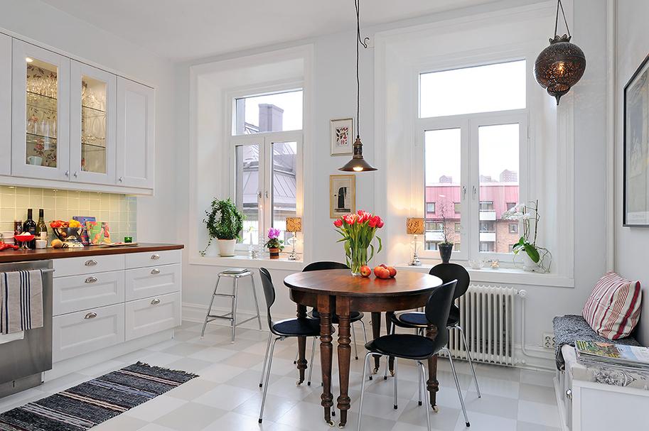 Cd Kitchen Table