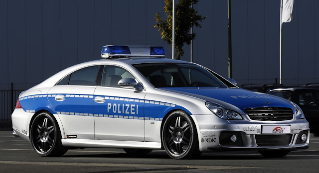 Jerman – Mercedes-Benz Brabus Rocket