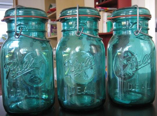 the happy married couple diy blue mason jars. Black Bedroom Furniture Sets. Home Design Ideas