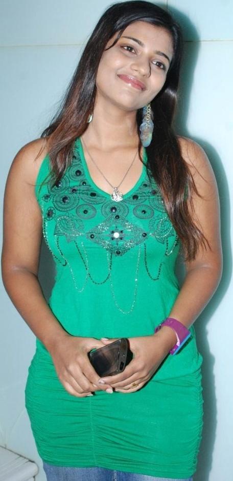 hindu single men in anchor One of the three daughters of politician najma heptullah (niece of maulana abul   indian cricketer dilip vengsarkar's son nakul vengsarkar married tv anchor.