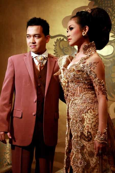 Judul : Kebaya Anne Avantie Pre Wedding Virnie Ismail