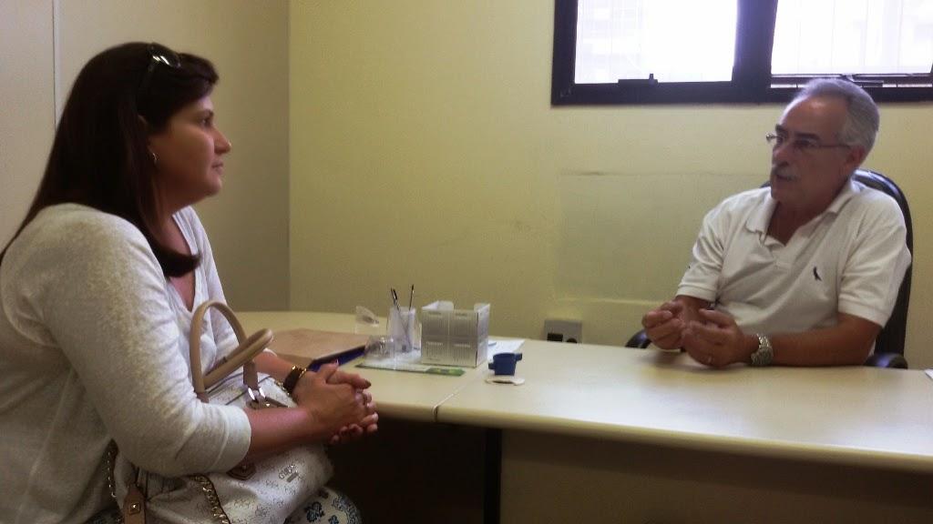 Secretário de Turismo Carlos Tucunduva recebe a analista do Sebrae, Maria Cristina Andriolo: proposta de parceria pela promoção do turismo