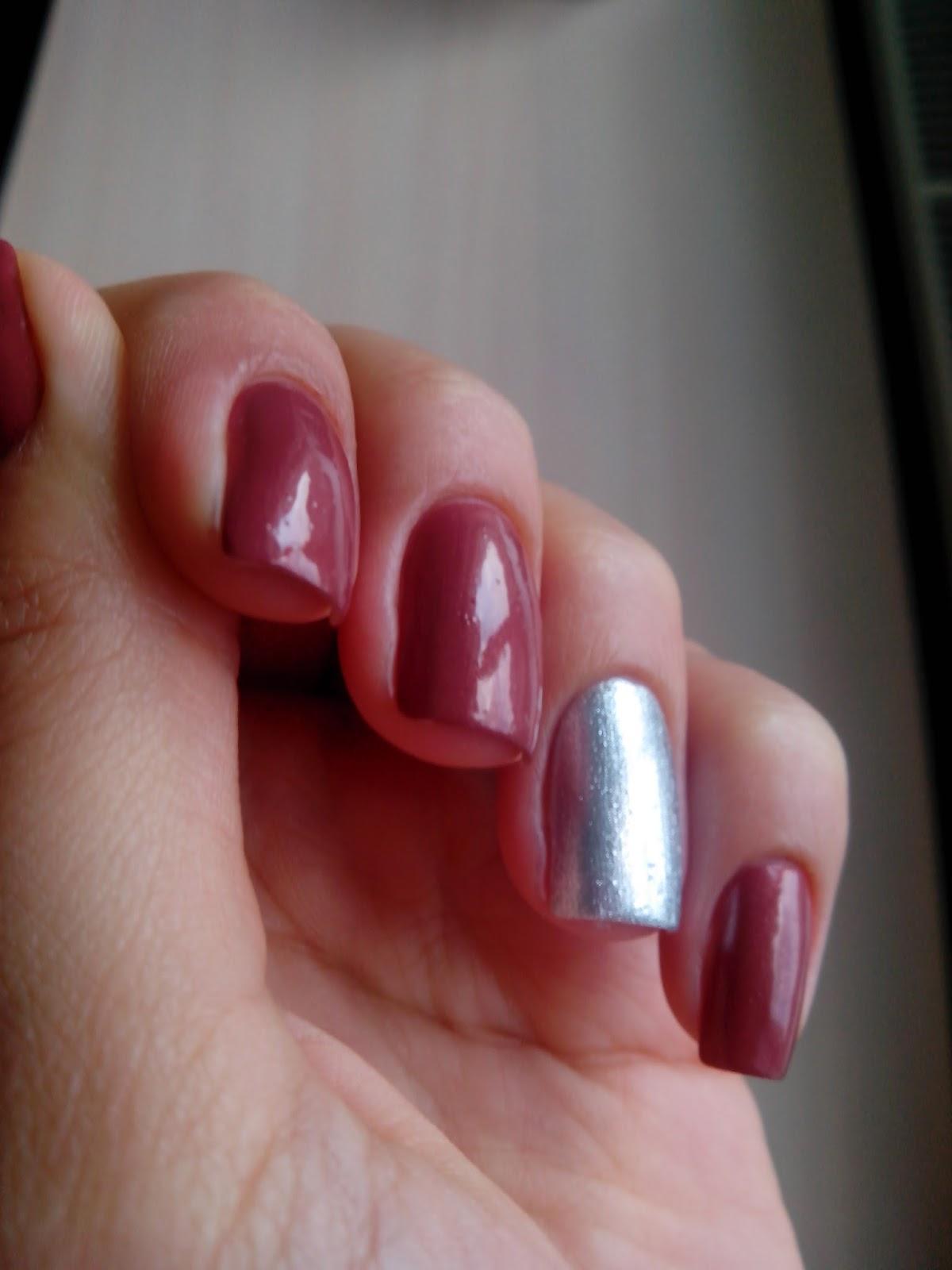 Маникюр бордовый серебряный фото
