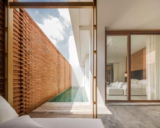 ritme-perpaduan-bata-merah-dinding-fasad-putih-sala-ayutthaya-hotel-sungai-chao-phraya-017