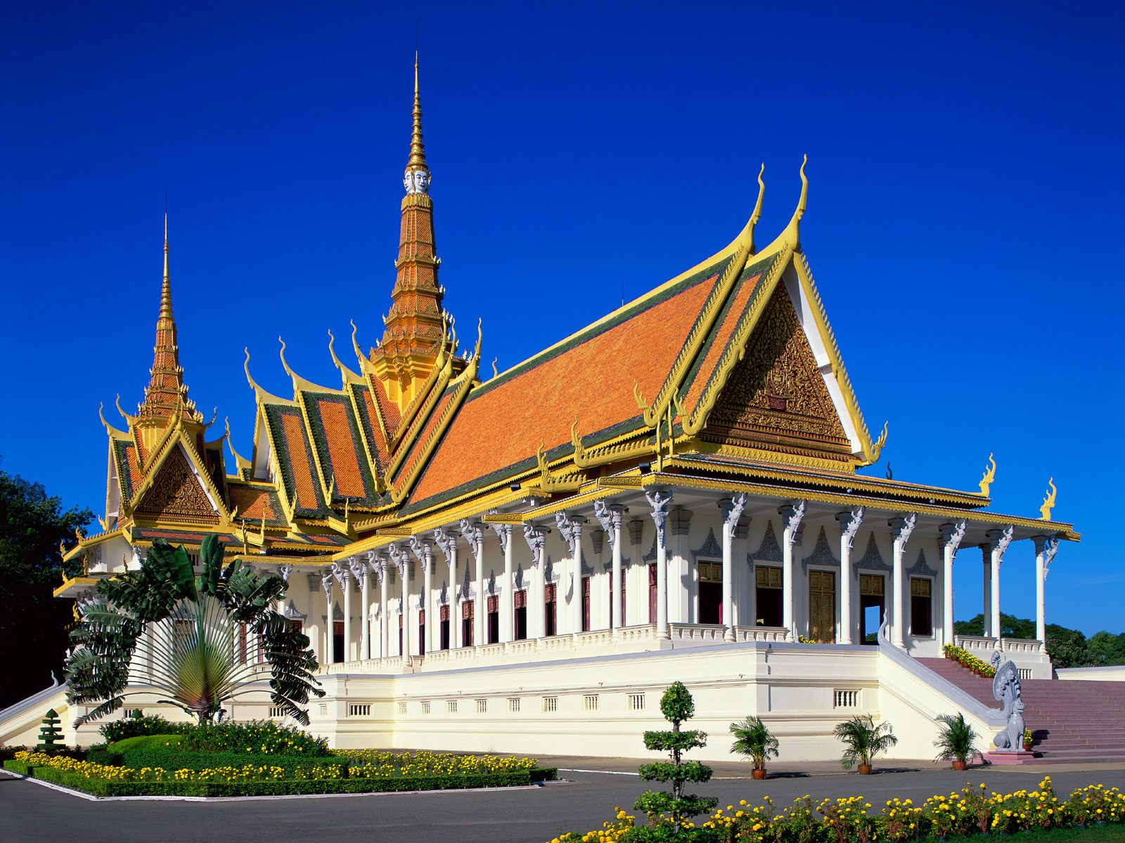 phnom penh Explore phnom penh holidays and discover the best time and places to visit | phnom penh (ភ្នំ ពេញ): the name can't help but conjure up an image of the exotic.