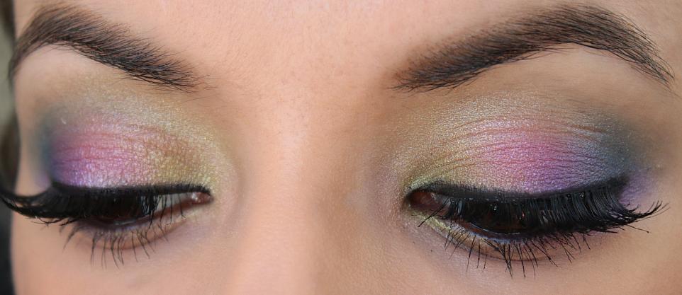 Colorful eye makeup look