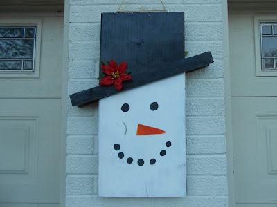DIY wooden reversible scarecrow/snowman decoration