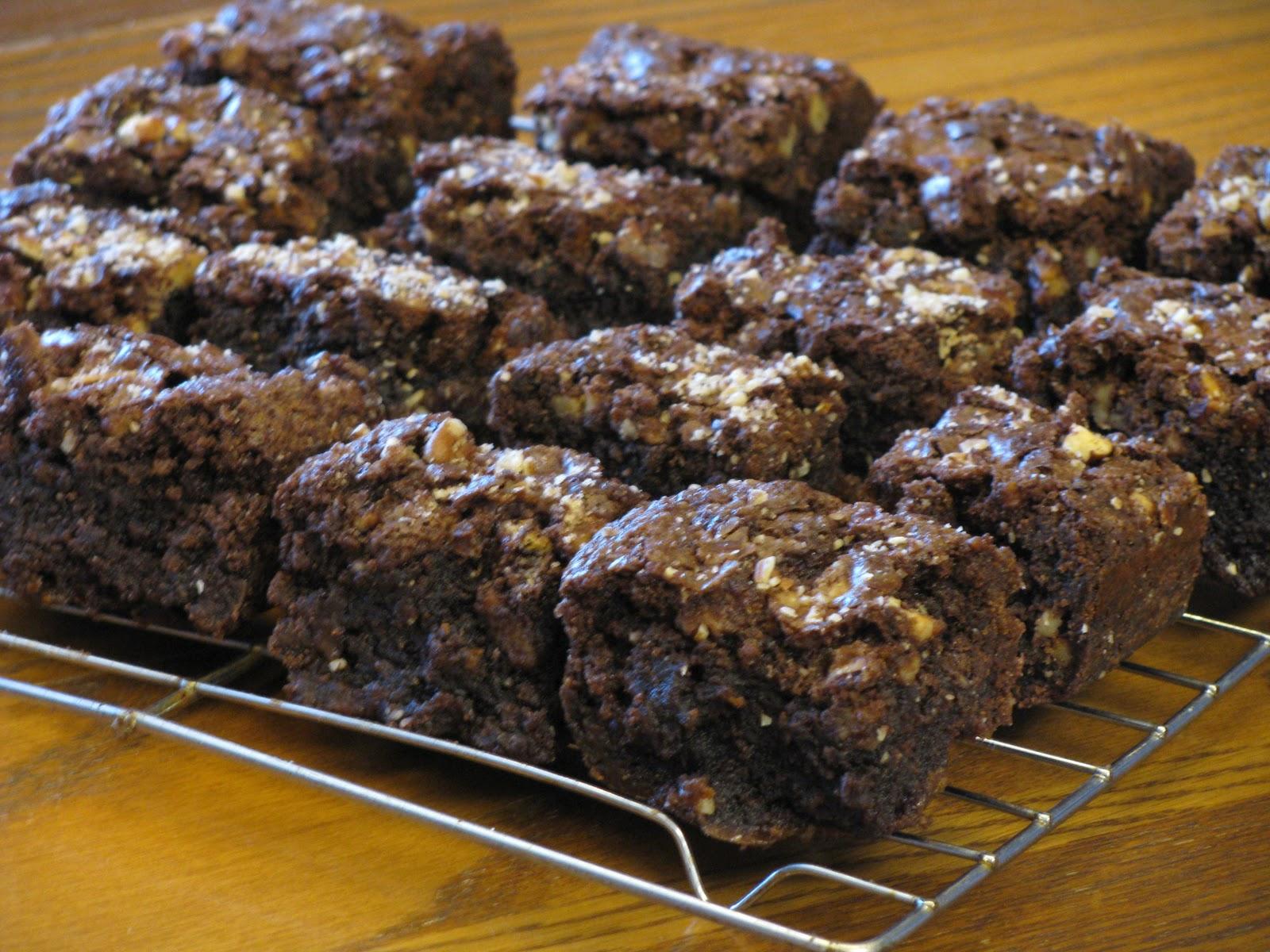 The Art Of Baking: Pecan Caramel Fudge Brownies