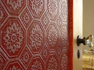 Glazed wallcovering