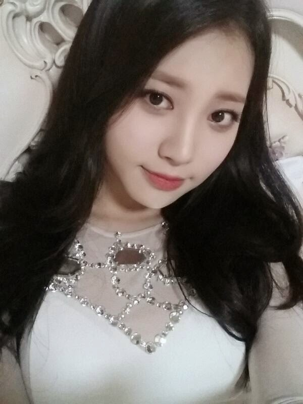 Yura Girl's Day Cute Selfie