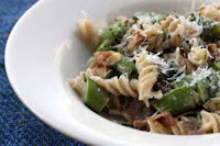 Weight Loss Recipes : Pasta with Peas and Basil Cream Sauce