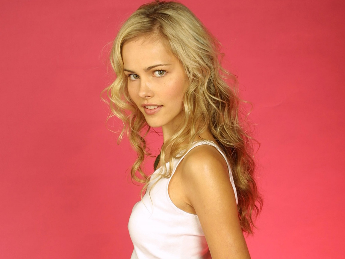Isabel Lucas In Transformers 2