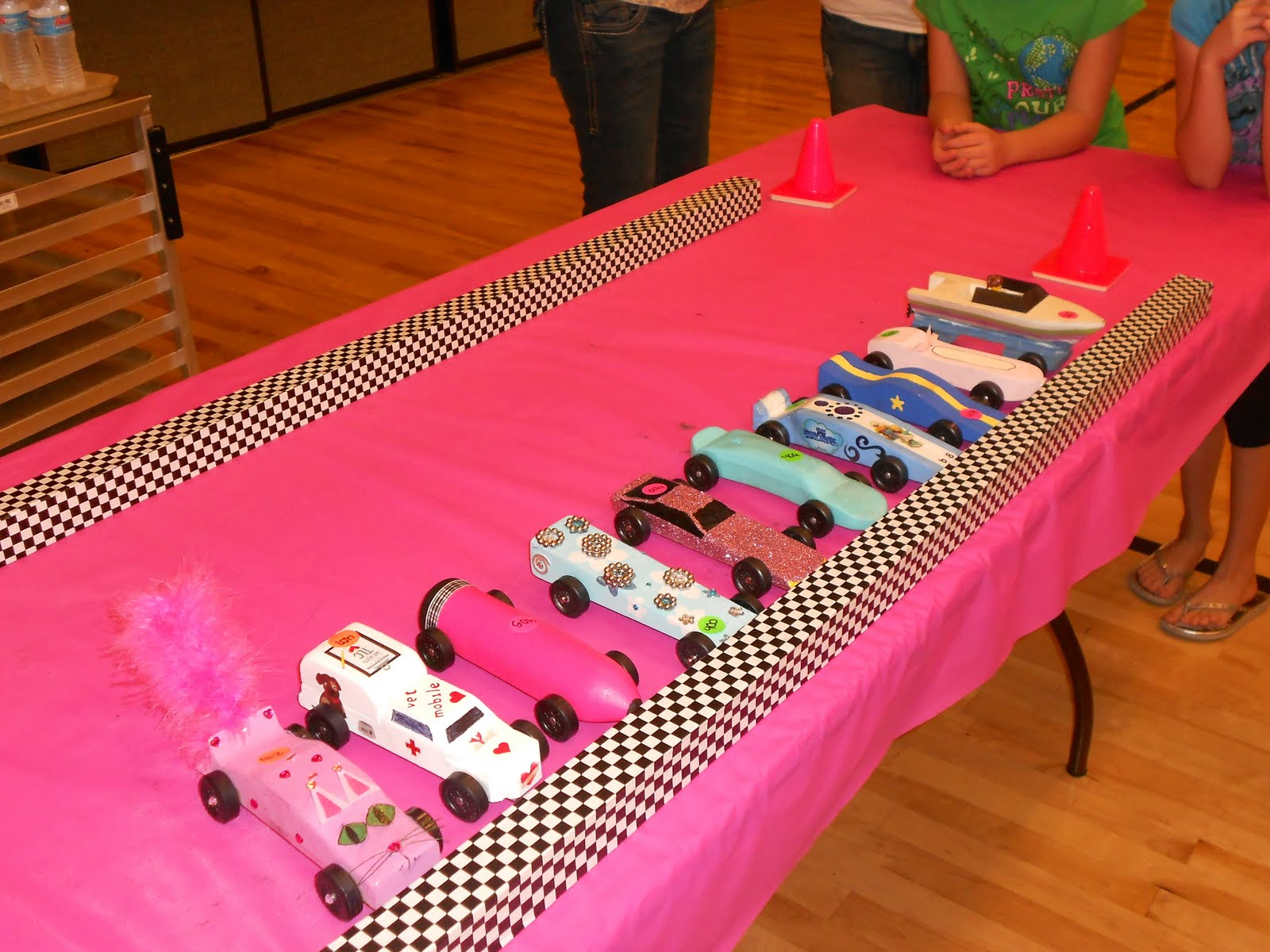 Girls pinewood derby car designs